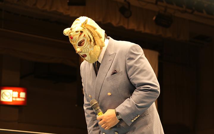 元気な姿を披露する初代タイガーマスクその1