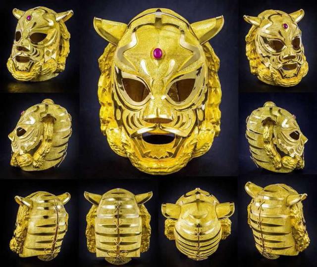 純金タイガーマスク